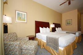 05688_007_Guestroom