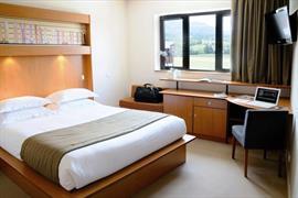 93539_005_Guestroom