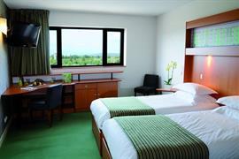 93539_006_Guestroom