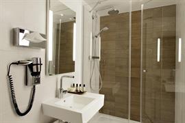 93790_002_Guestroom