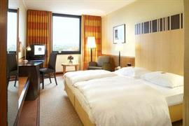 95010_004_Guestroom