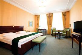 95412_006_Guestroom