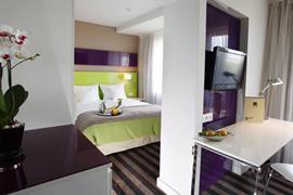 81012_006_Guestroom