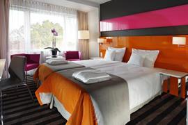 81012_007_Guestroom