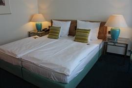 95341_005_Guestroom