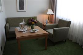 95341_006_Guestroom