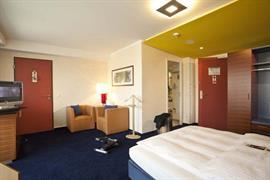 95331_004_Guestroom