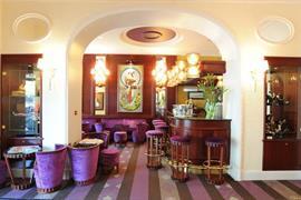 93754_002_Restaurant