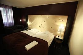 95023_006_Guestroom