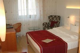 95330_006_Guestroom