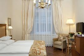 89025_006_Guestroom