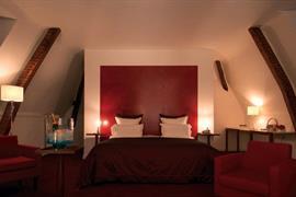 93584_005_Guestroom