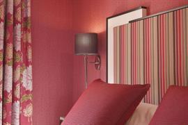 93640_005_Guestroom