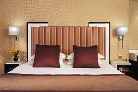 93640_006_Guestroom