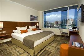 76068_005_Guestroom