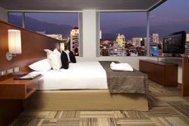 76068_006_Guestroom
