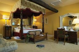 mount-pleasant-hotel-bedrooms-06-83733