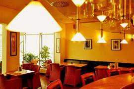 95329_005_Restaurant