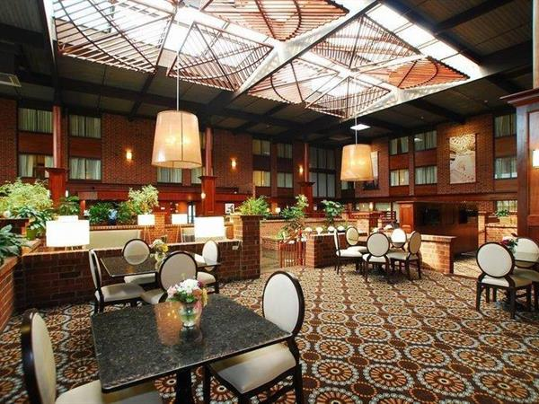 harrisburg hotels best western. Black Bedroom Furniture Sets. Home Design Ideas