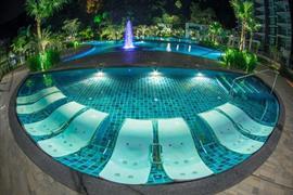 99059_002_Pool