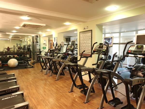 yew-lodge-hotel-leisure-23-83652