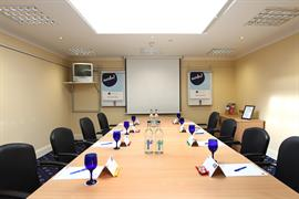 yew-lodge-hotel-meeting-space-12-83652
