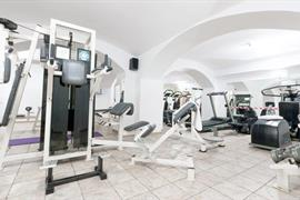 81002_005_Healthclub