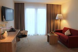 95352_006_Guestroom