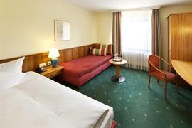 95352_007_Guestroom