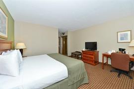 34146_006_Guestroom