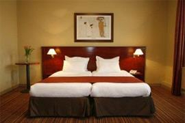 92912_004_Guestroom