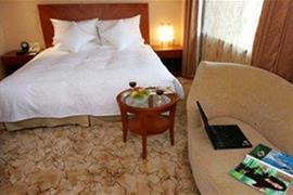 78623_005_Guestroom