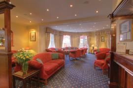 rose-and-crown-hotel-leisure-01-83792