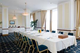 royal-beach-hotel-meeting-space-05-83847