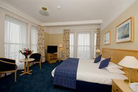 royal-beach-hotel-bedrooms-08-83847