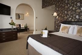 royal-clifton-hotel-bedrooms-13-83269