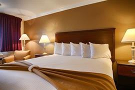 05051_007_Guestroom