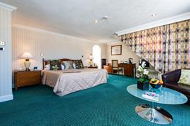 royal-hotel-bedrooms-11-83745