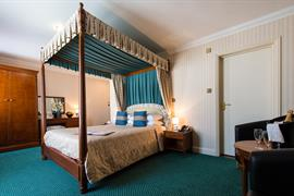 royal-hotel-bedrooms-12-83745