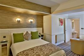 royal-hotel-bedrooms-16-83745