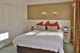 royal-hotel-bedrooms-18-83745
