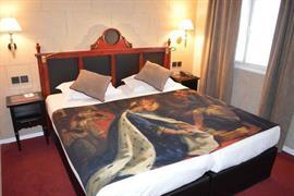 93679_005_Guestroom