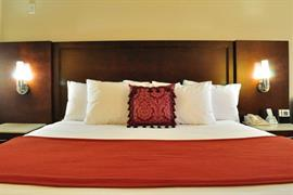 05386_007_Guestroom