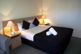 97310_002_Guestroom