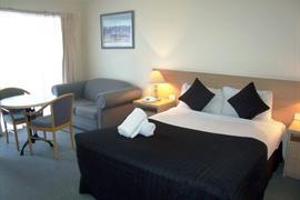 97310_003_Guestroom