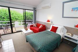 97276_000_Guestroom