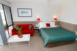 97276_003_Guestroom