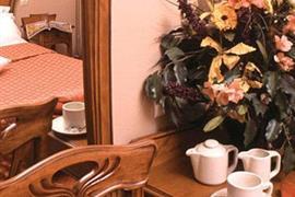 93602_002_Guestroom