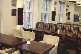 seraphine-kensington-olympia-hotel-dining-01-83966-OP