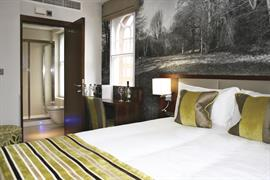 seraphine-kensington-olympia-hotel-bedrooms-02-83966